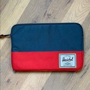 Herschel laptop / tablet case zippered sleeve